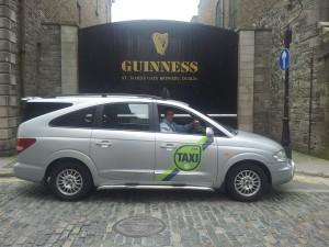 Taksisti prevaranti i policija